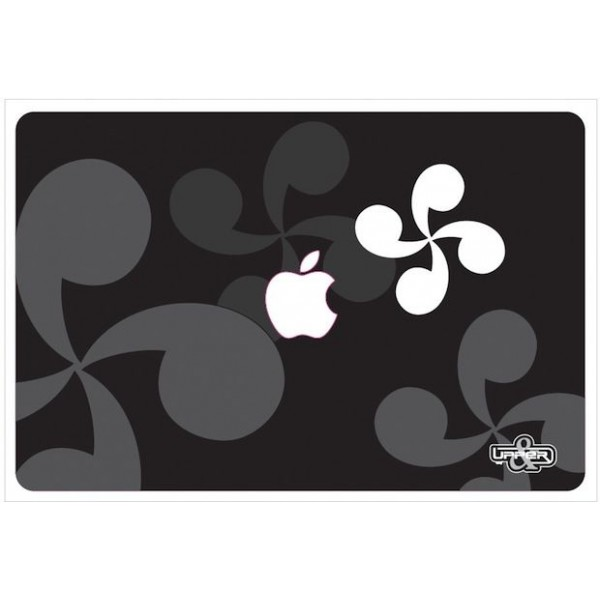 Cover MacBook Croix Basque B&W